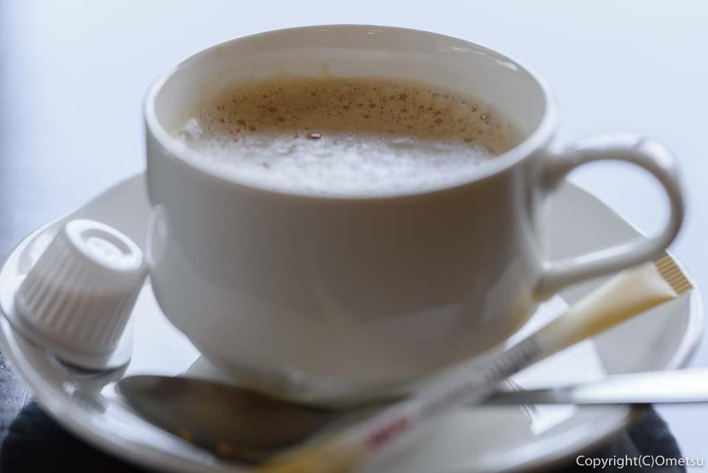 福生市・大多摩ハムのレストラン、シュトゥーベン・オータマの、福生ドッグセットのコーヒー