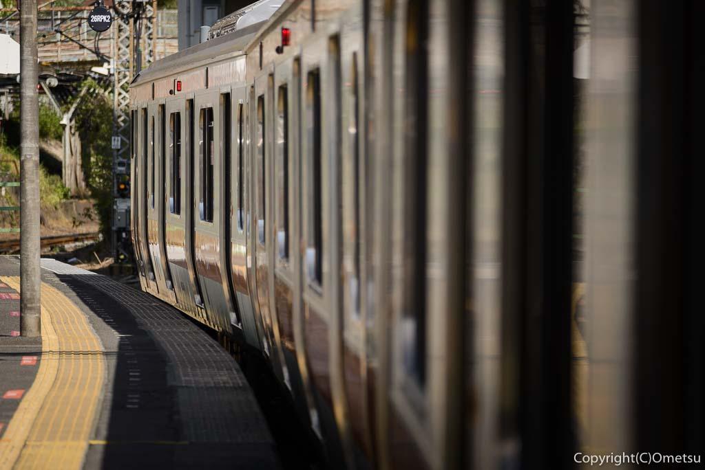 青梅駅の鉄道とホーム