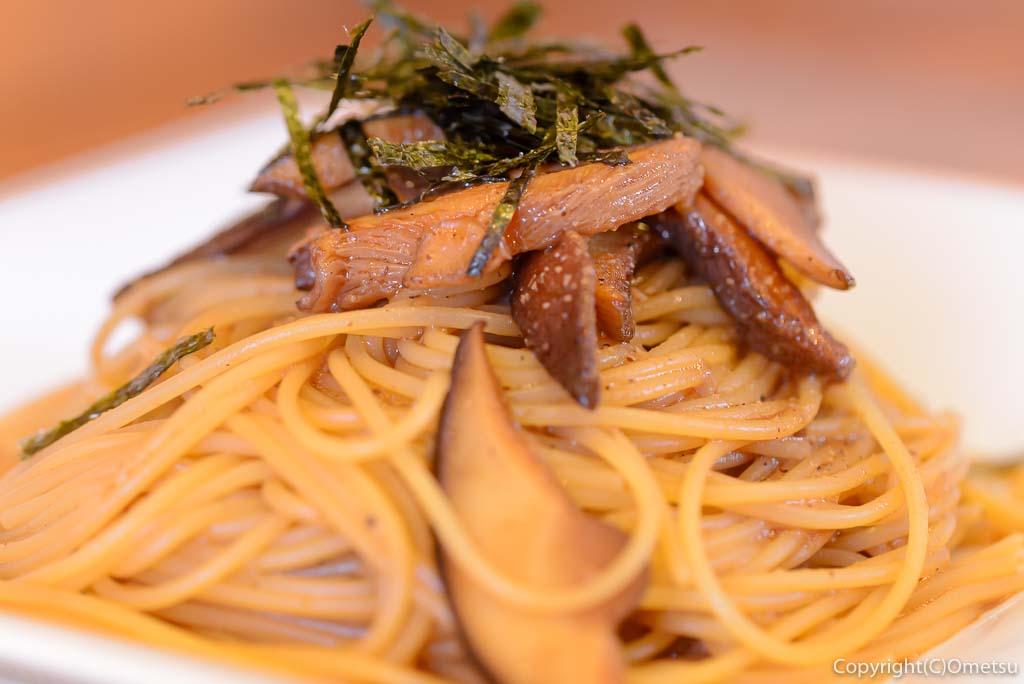 青梅市・内沼きのこ園の、軽食喫茶 ぴるつ・たまり醤油バターのきのこスパゲティー