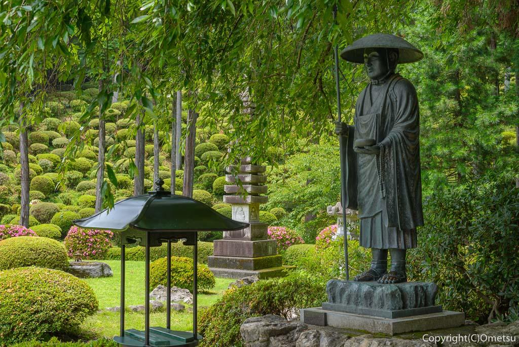 青梅市・今井の、薬王寺の弘法大師像