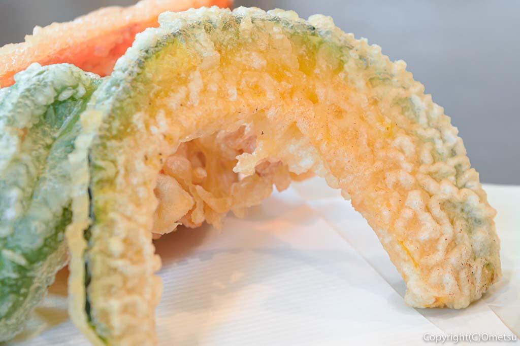 あきる野市の蕎麦店・石臼挽き手打そば ひらの の野菜天もりそば のカボチャの天ぷら