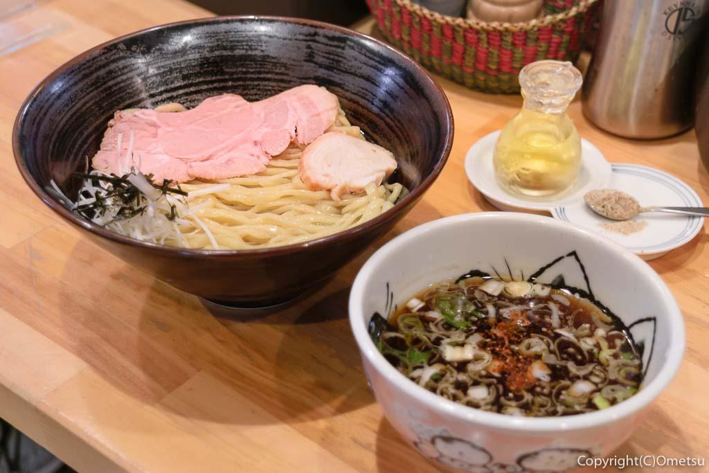 福生市のラーメン店「麺や 田むら」の、つけ麺