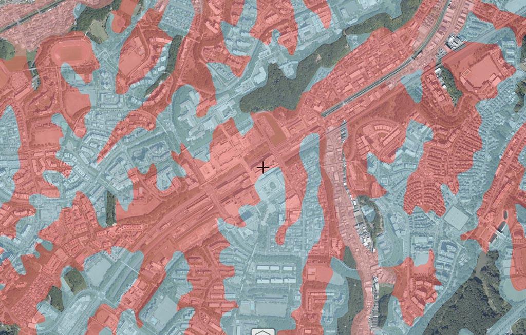 南大沢駅周辺の、盛土・切戸 国土交通省 重ねるハザードマップ