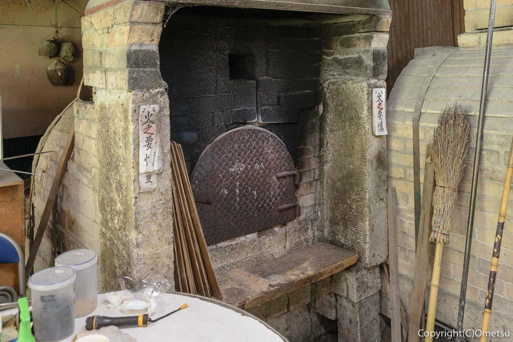 青梅の石薪窯パン店「麦  MUJI」の窯