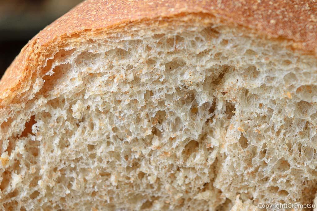 青梅の石薪窯パン店「麦  MUJI」のプレーンパンの生地