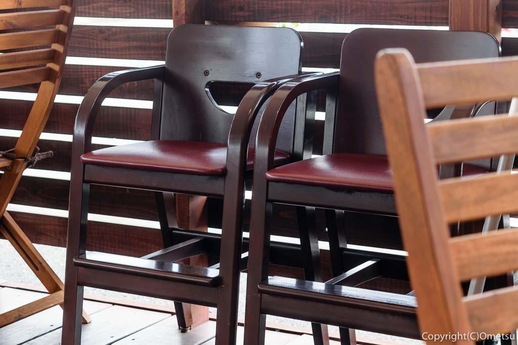 羽村「みんなのカフェ メリ・メロ」の子ども用椅子