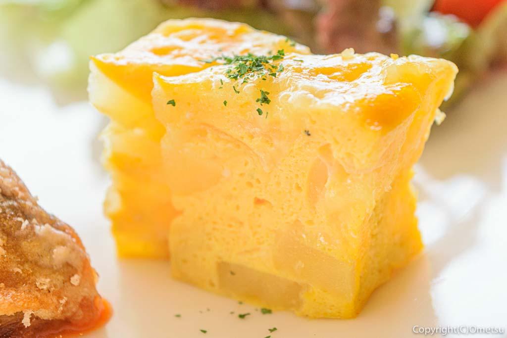 羽村「みんなのカフェ メリ・メロ」の今日のランチの卵のキッシュ