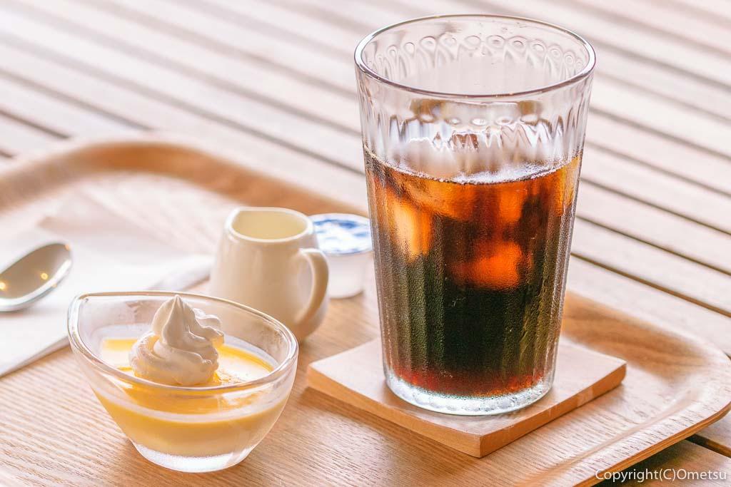 羽村「みんなのカフェ メリ・メロ」のプリンとアイスコーヒー