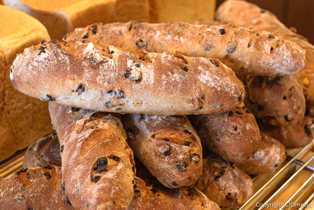羽村市のパン店・オープンゲートベーカリー(OPEN GATE BAKERY)の自家製酵母のカンパーニュ ノアカレンズ