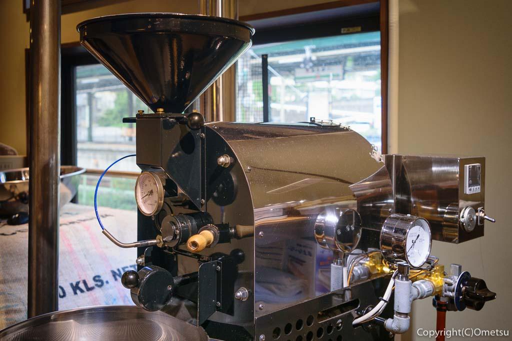 JR青梅線・奥多摩駅・ポートおくたま、Gotta Coffee(ガタコーヒー)の焙煎機
